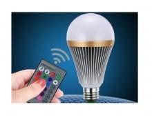 Многоцветна LED крушка с дистанционно управление